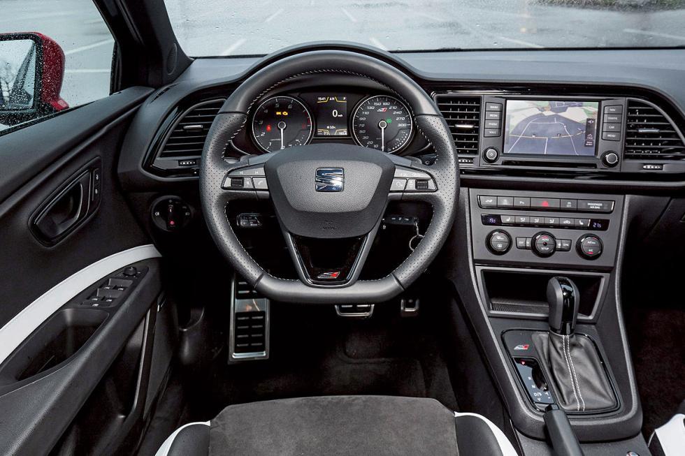 JE Design Seat Leon ST Cupra 280 interior