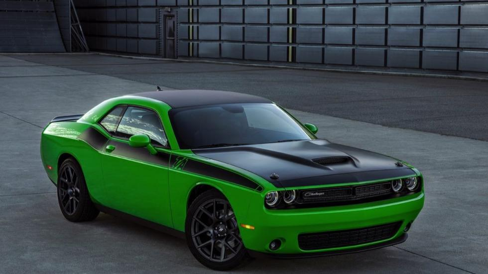 Dodge Challenger TA 2