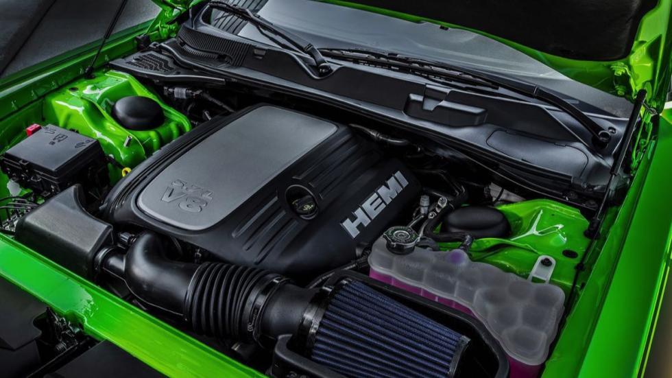 Dodge Challenger TA 7