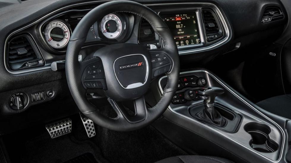 Dodge Challenger TA 11