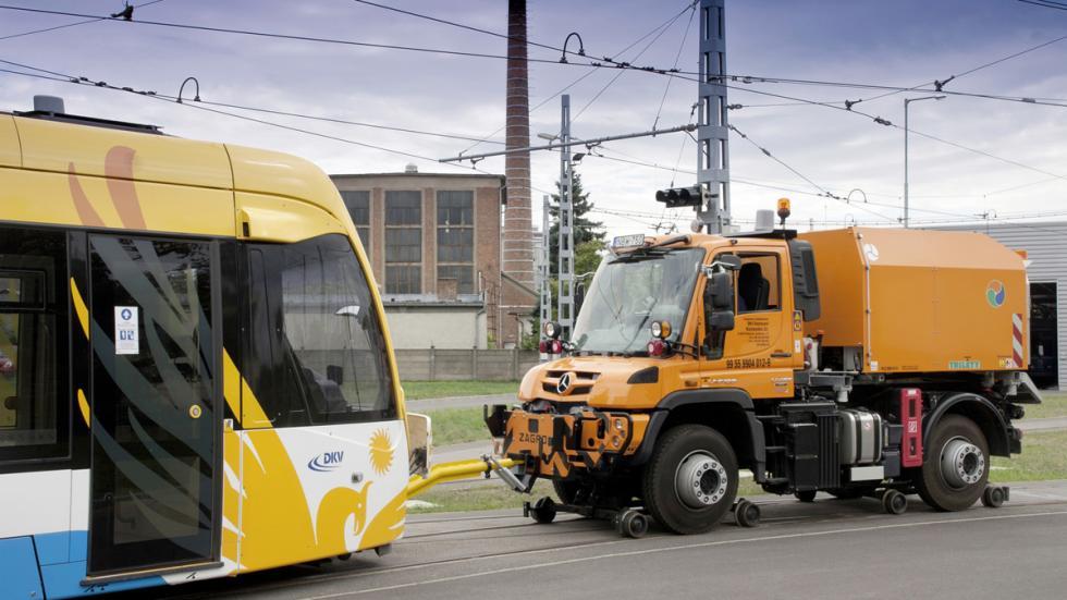 Mercedes Unimog U 426 trabajos ferroviarios