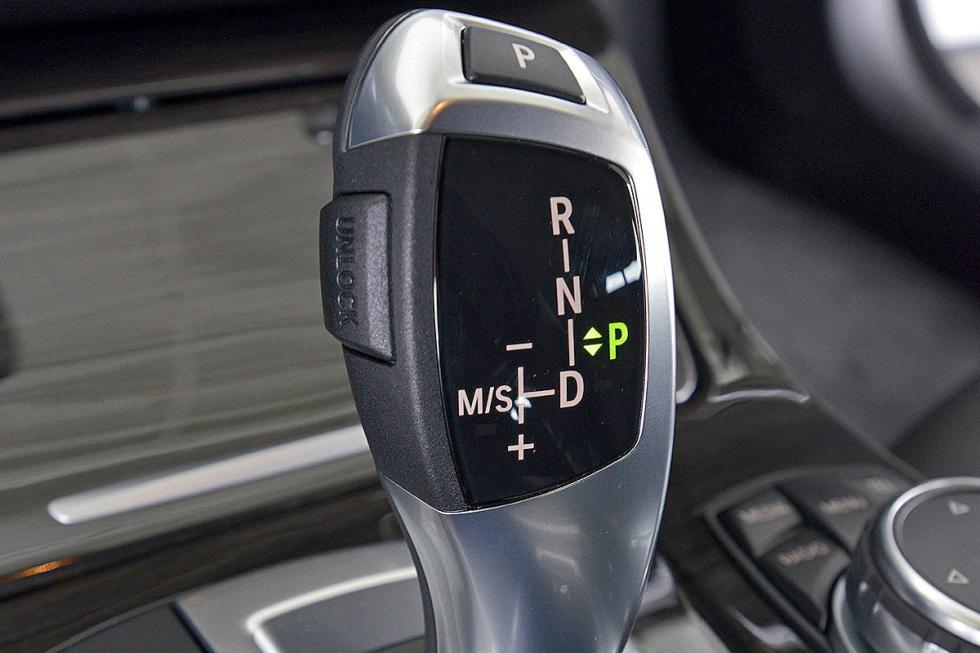 BMW Serie 5 asientos interior detalle