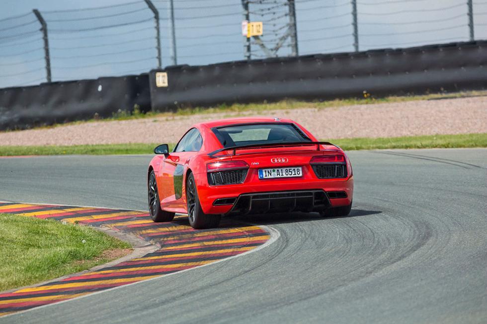 Audi R8 V10 Plus zaga