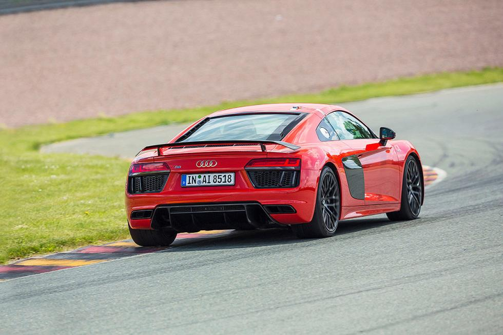 Audi R8 V10 Plus zaga pilotos