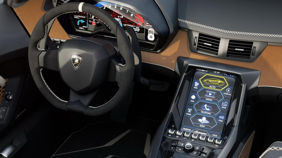 Lamborghini Centenario Roadster habitáculo
