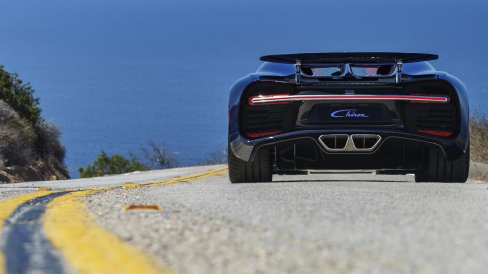 Bugatti Chiron Pebble Beach trasera