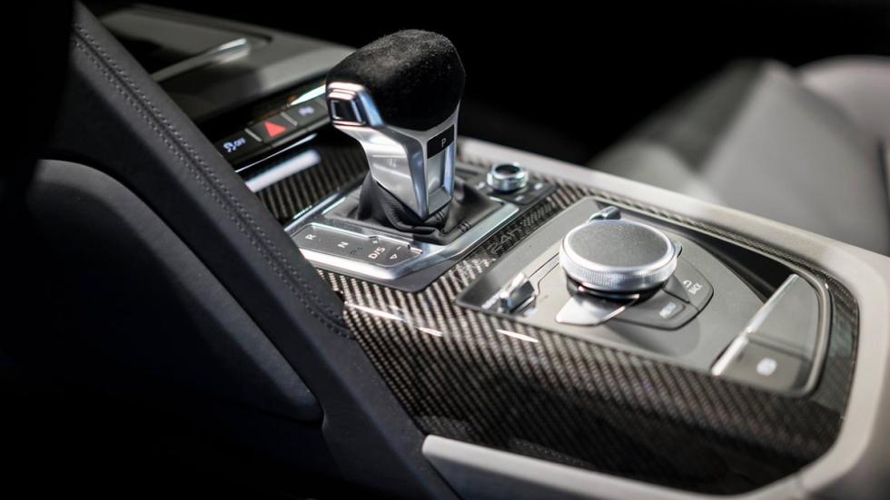 Audi R8 V10 plus 'Selection 24h' pomo cambio