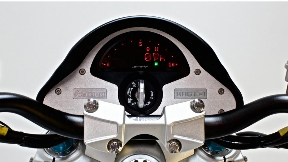 moto-Keanu-Reeves-Arch-KRGT-1-cuadro