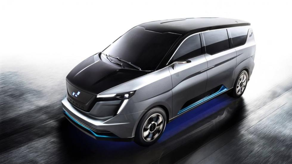 W Motors Iconiq Seven Concept tres cuartos