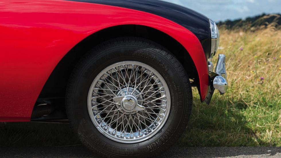 Morgan Plus 4 1964 rueda