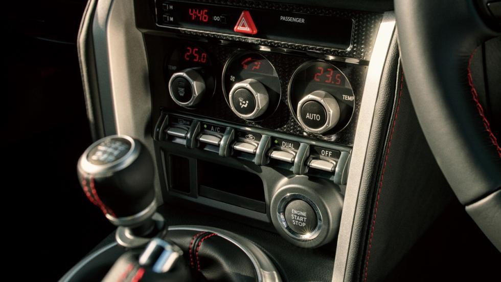 Toyota GT86 2016 controles