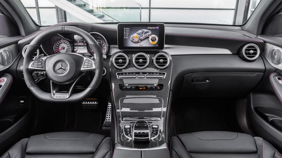 Mercedes-AMG GLC 43 Coupé interior