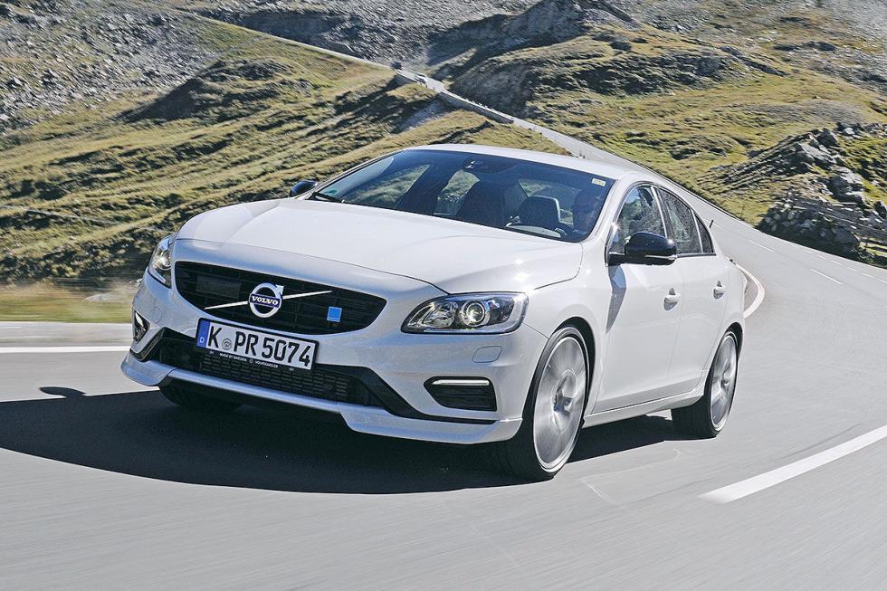 Volvo S60 Polestar pilotos lateral curva dinámica