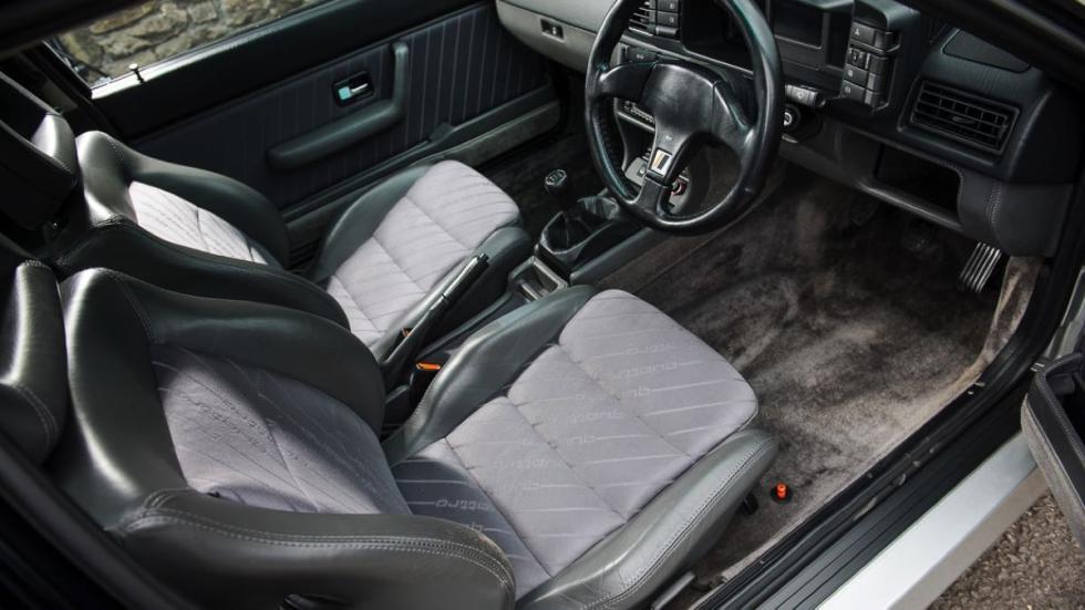 Audi Quattro Turbo asientos