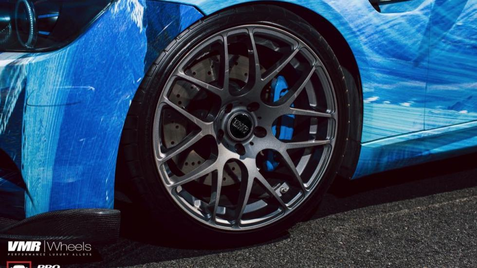 BMW E92 M3 vinilado agua y fuego llantas