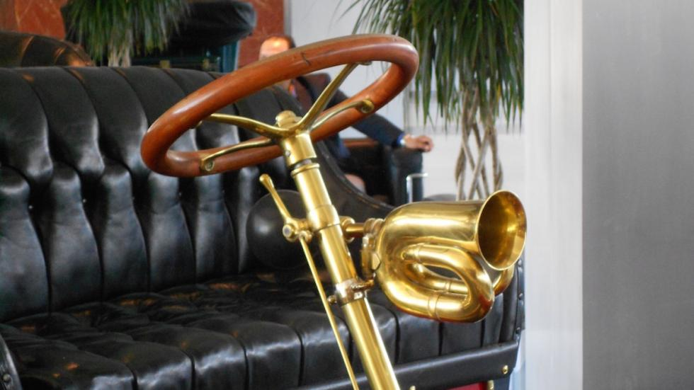 Ford-más-antiguo-del-mundo-Modelo-A-volante-bocina