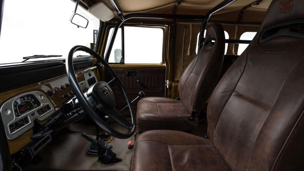 Toyota Land Cruiser 1981 asientos delanteros