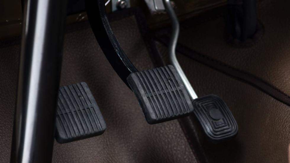 Toyota Land Cruiser 1981  pedales