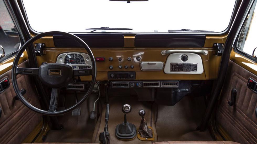 Toyota Land Cruiser 1981 salpicadero