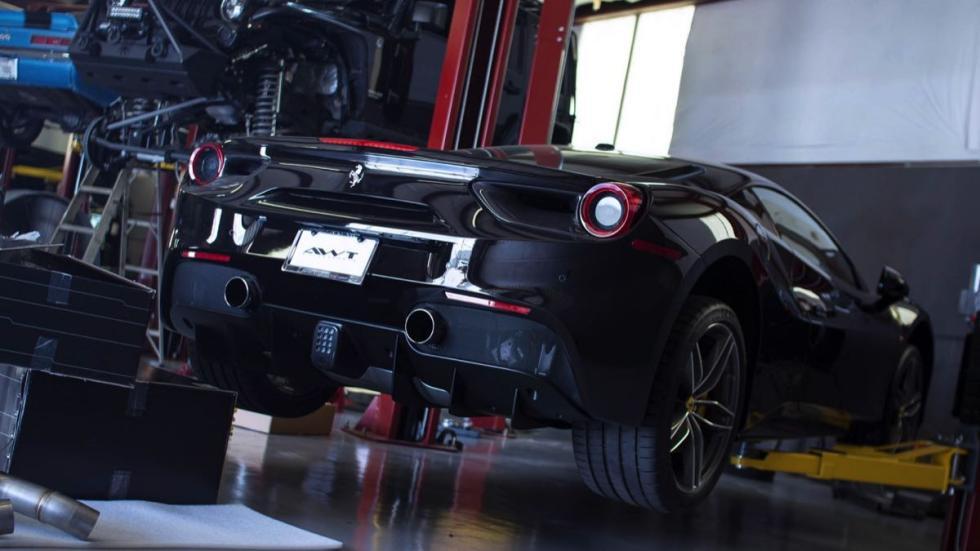 Ferrari 488 GTB AWT Motorsports trasera