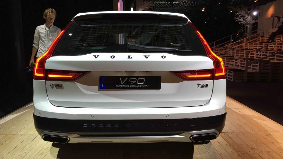 Volvo V90 Cross Country zaga
