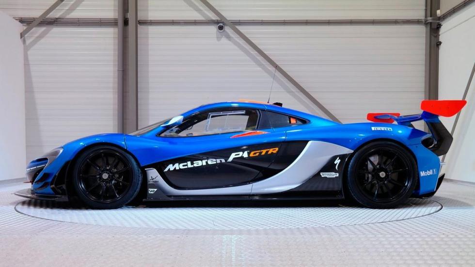 McLaren P1 GTR lateral
