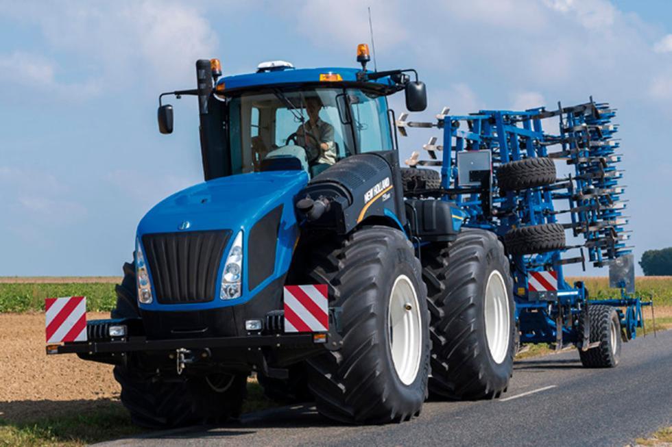 New Holand T9, tira de hasta 25 toneladas, 692 CV-