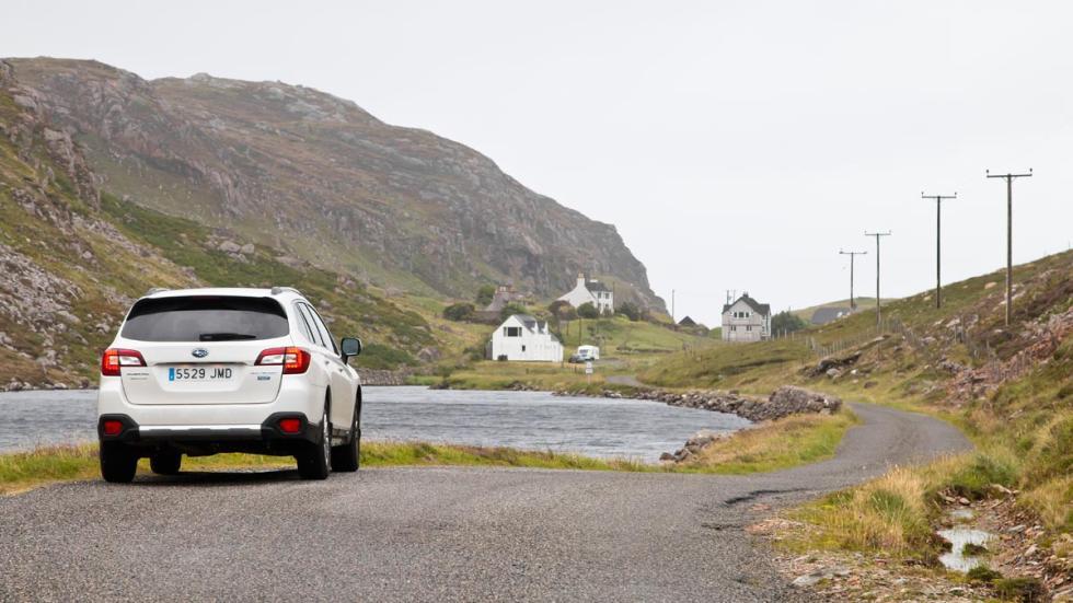 Subaru Outback carretera harris