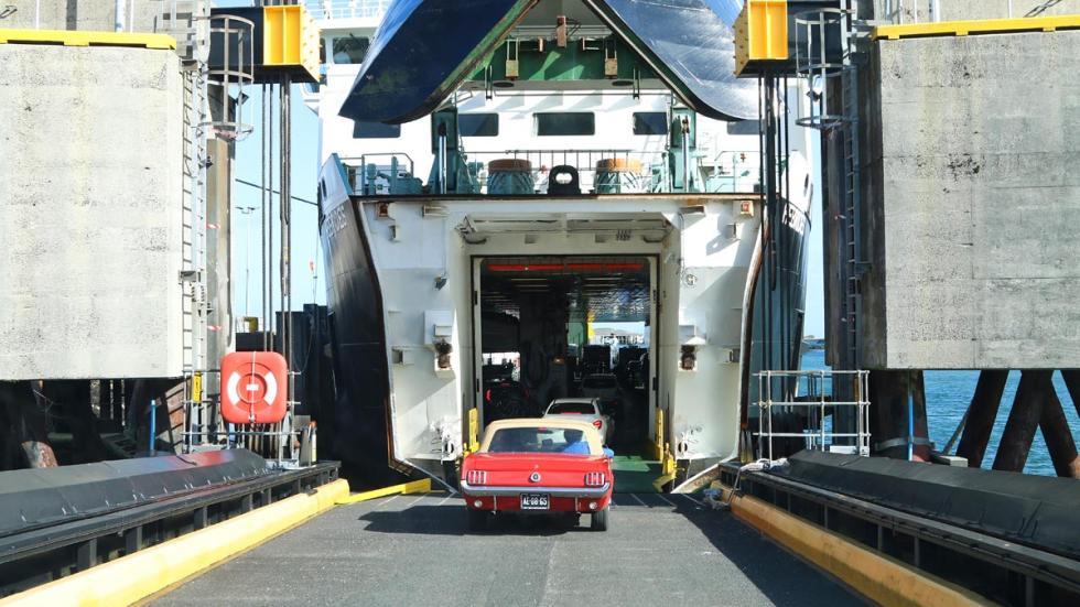 Subaru Outback ferry