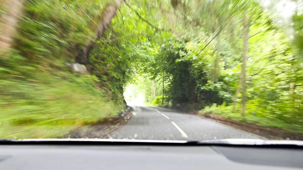Subaru Outback carretera escocia