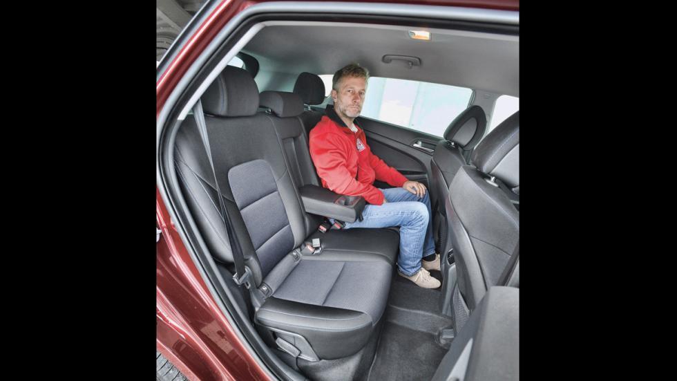 Hyundai Tucson asientos traseros