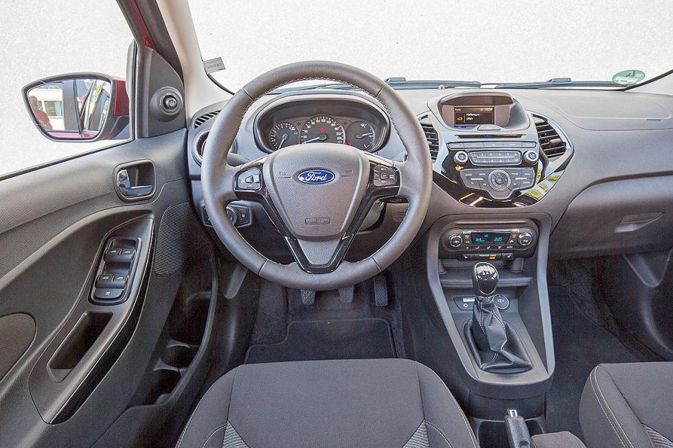 Ford Ka+ zaga volante