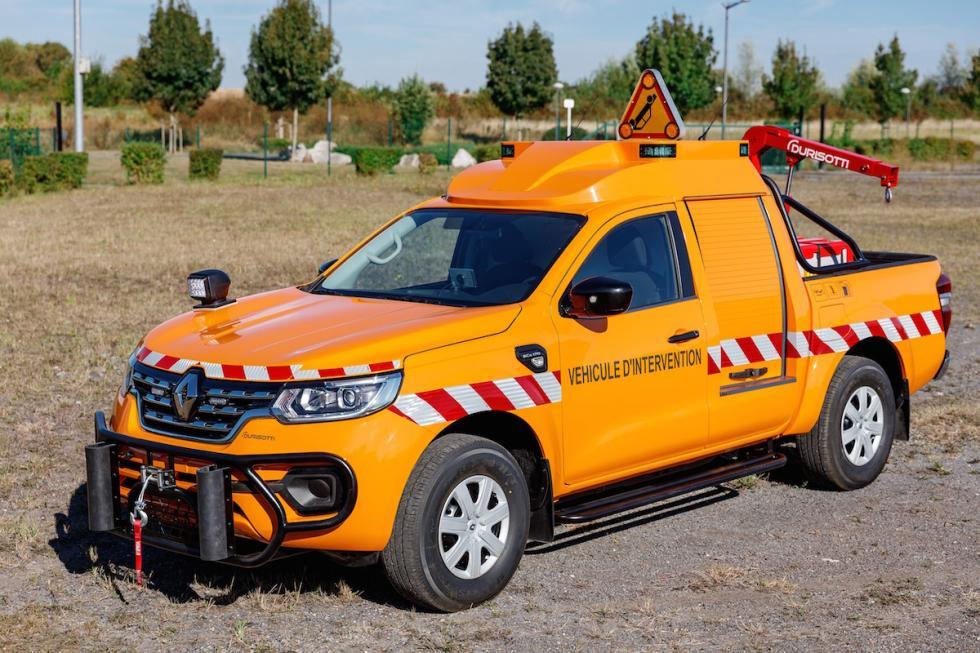 Renault Alaskan para el mantenimiento y servicio de carreteras