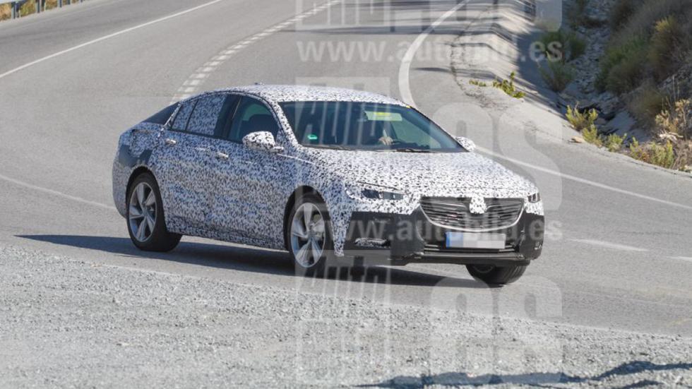 Opel Insignia 2017 fotos espía delantera