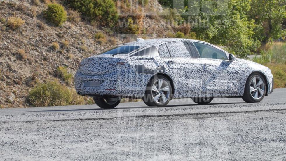 Opel Insignia 2017 fotos espía zaga