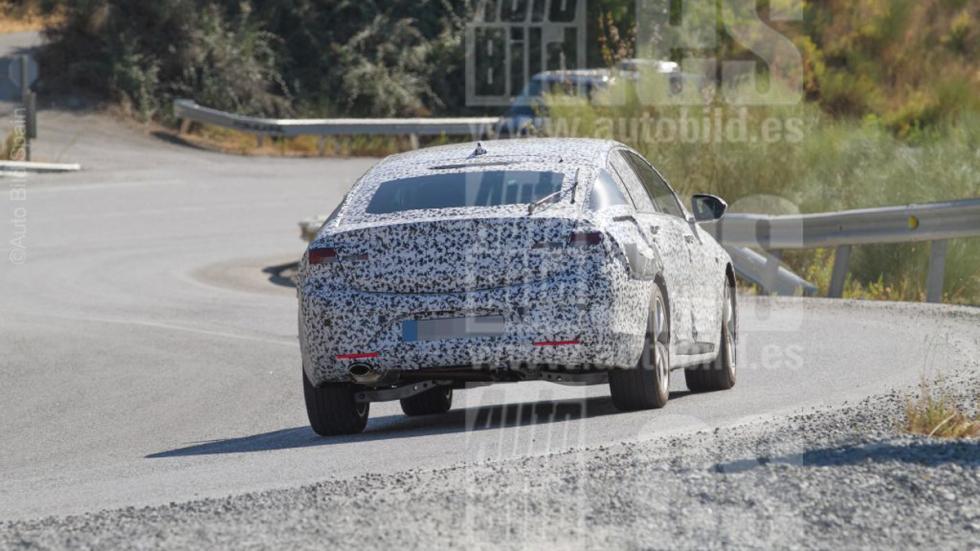 Opel Insignia 2017 fotos espía culo