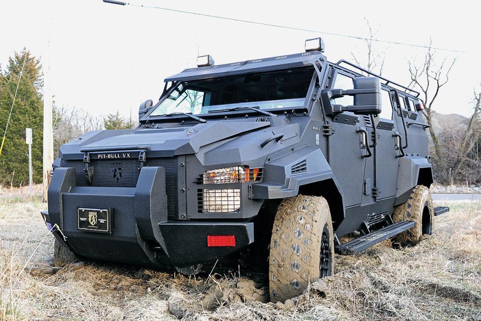 Pitbull VX. Cuesta 190.000 euros, lleva un motor V8 turbodiésel de 300 CV