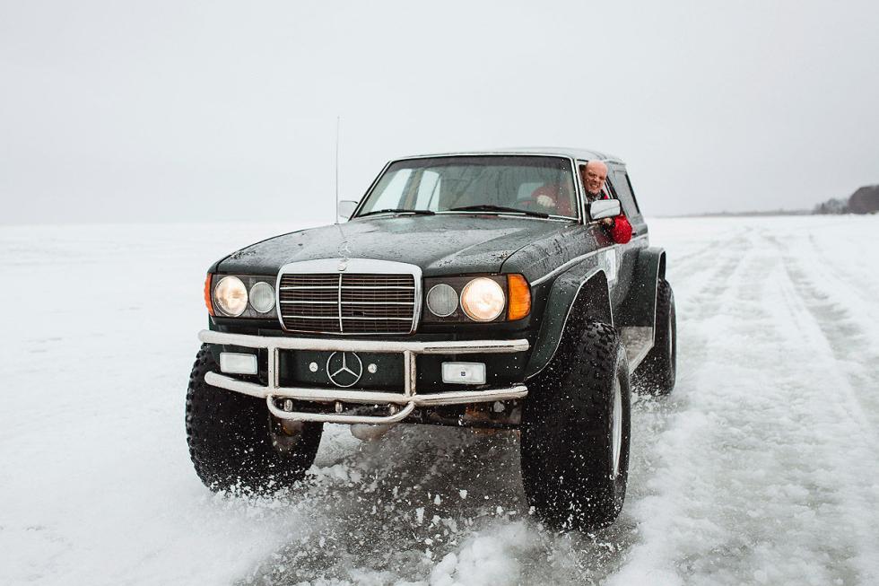 Convierten cualquier coche en un radical todoterreno... ¡Como este Mercedes 200!
