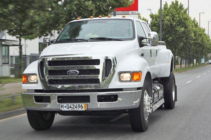 También sobre un Ford F-650, Supertruck crea este pick up de 325 CV y depósito d