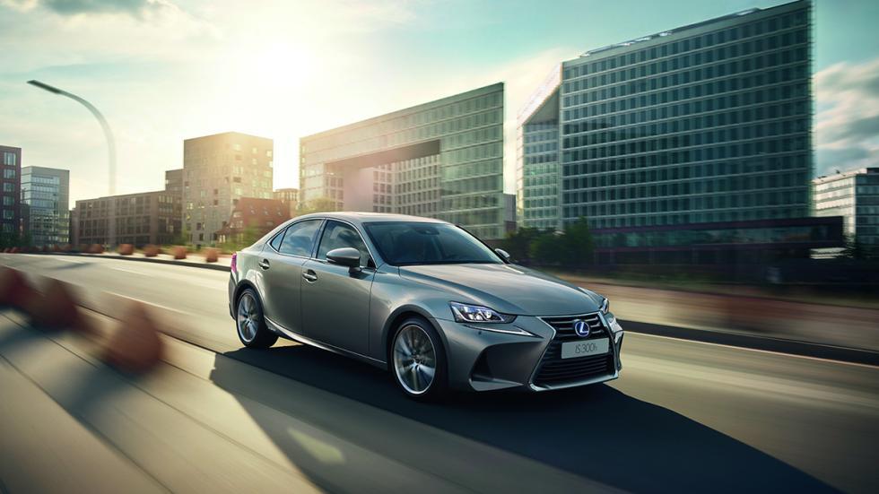 Lexus IS 2017: debuta en el Salón de París