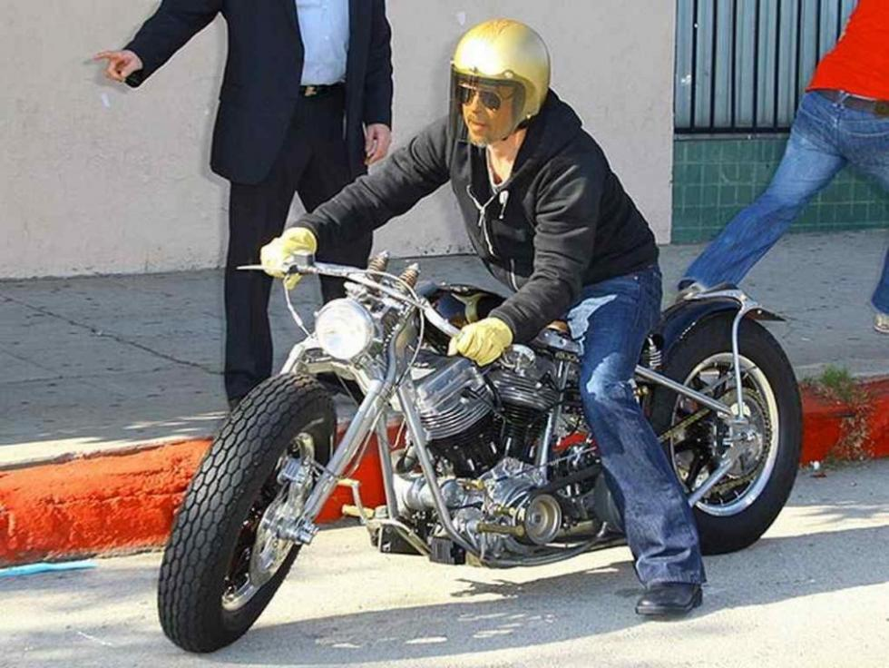 Brad-Pitt-Motos-3