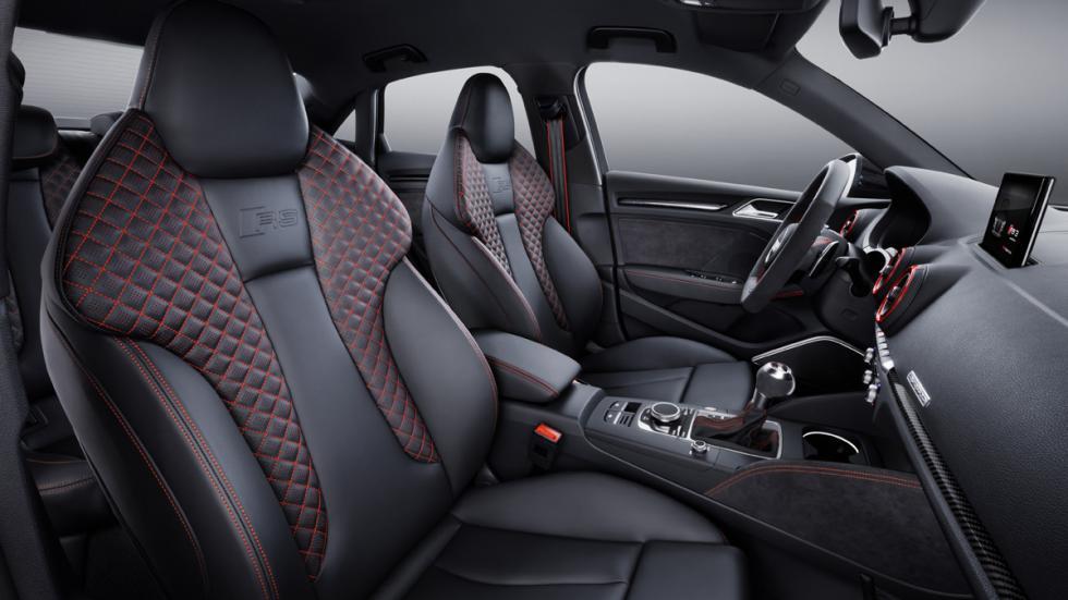 Audi RS3 Sedan plazas delanteras