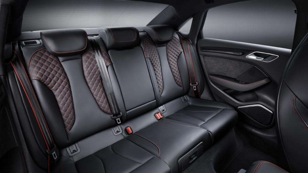 Audi RS3 Sedan plazas traseras