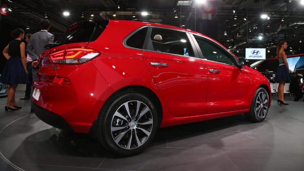 coches-más-comprables-salón-parís-2016-Hyundai-i30-zaga