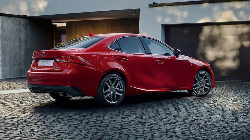 Lexus IS 2017 Salón París trasera