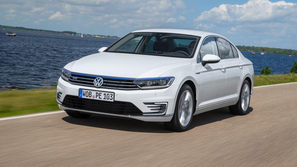 Volkswagen Passat GTE frontal