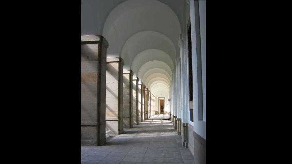 El Museo Reina Sofía, en Madrid Lugares paranormales en España