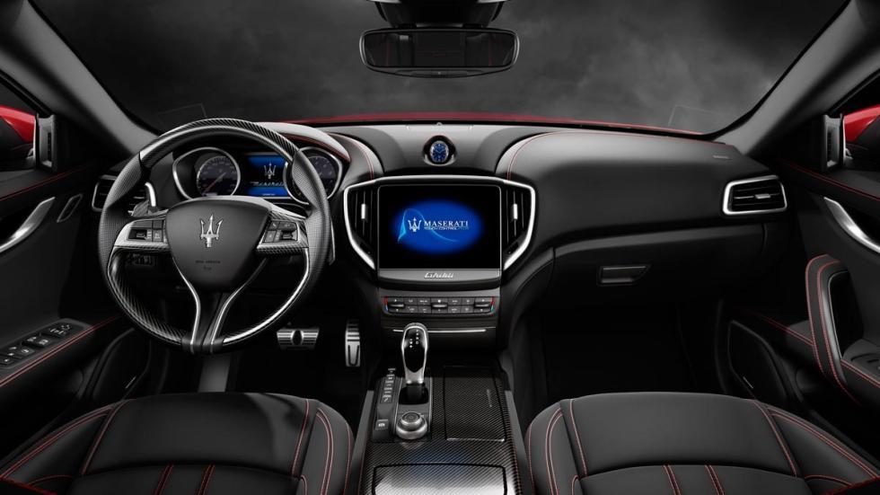 Maserati Ghibli 2017 interior