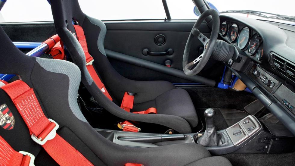 Porsche 911 Carrera RS NGT interior