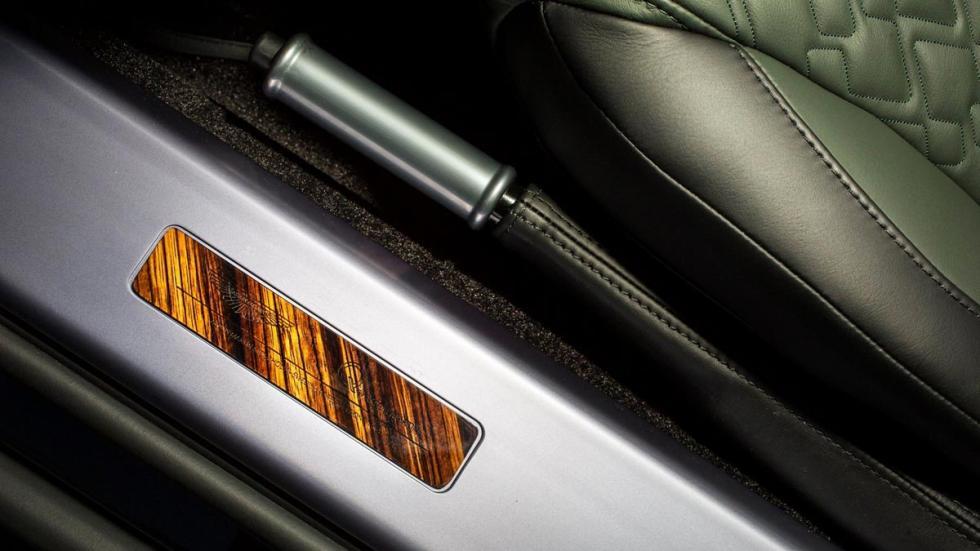 Aston Martin V8 Vantage S Forest Edition madera